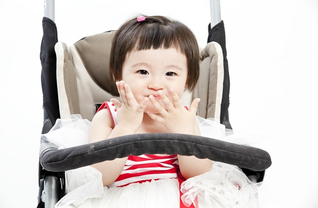 teething development in baby and drooling