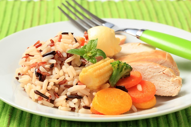 Baby food recipe brown rice chicken and peach stew suitable for 8 months to 10 months old baby forumfinder Gallery