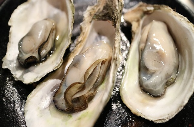Oyster can increase sperm count and sperm quality and therefore increase chance of conception.