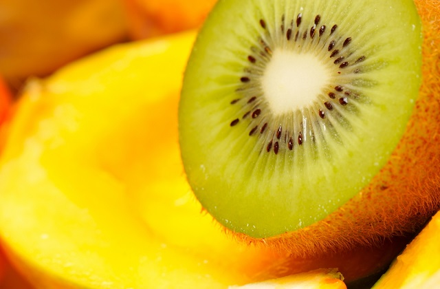 Suitability of kiwi fruit for expecting mother during pregnancy. Health benefits,nutrition value as well negative side effect of eating kiwi fruit during pregnancy.